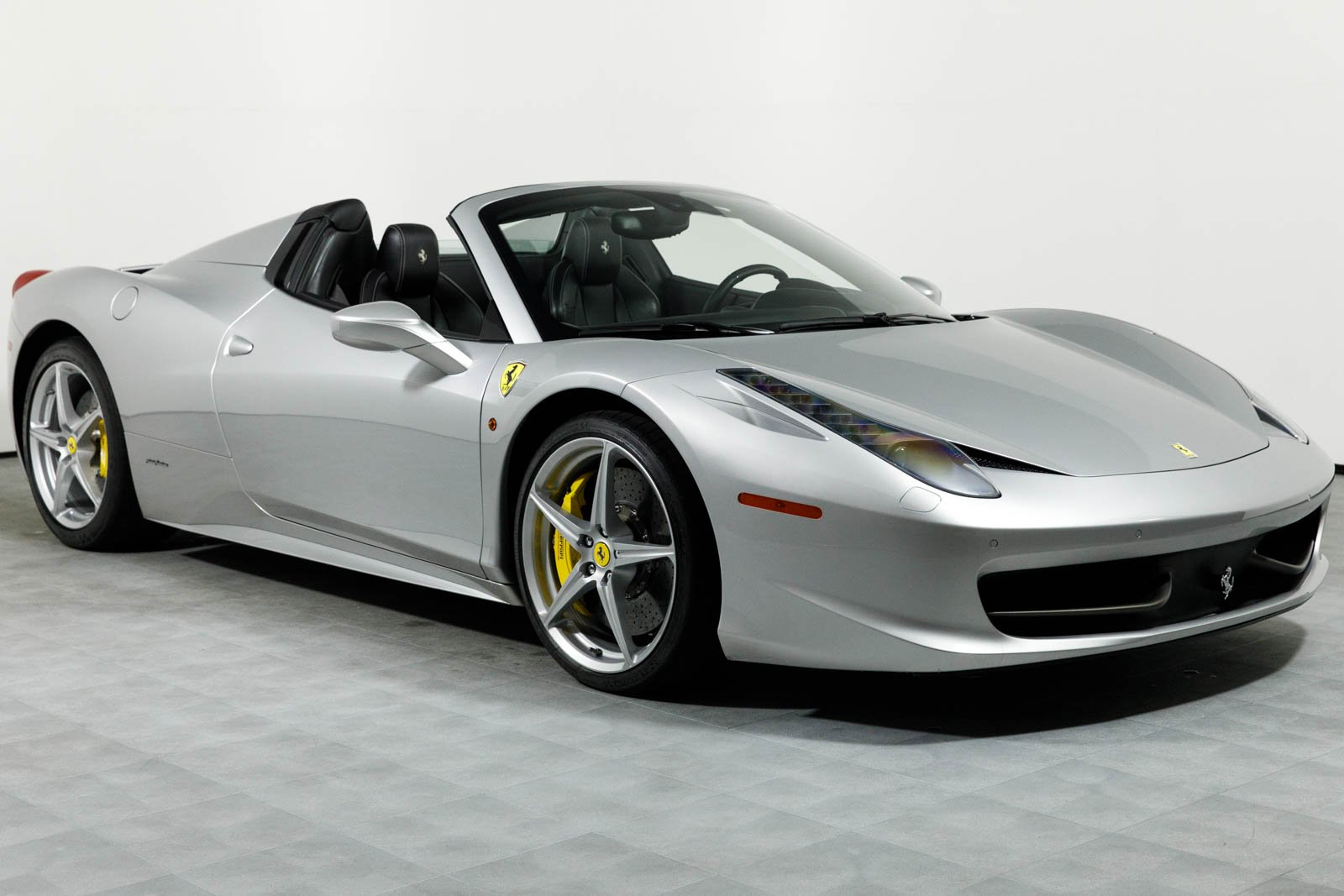 pre-owned 2013 ferrari 458 spider convertible in rancho mirage